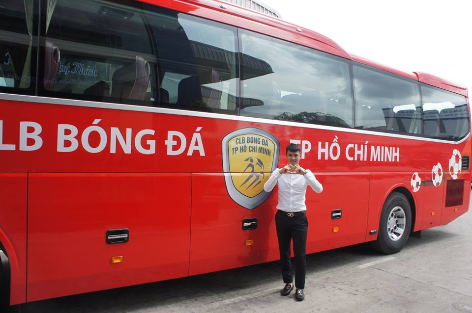 Chuyen la V-League: Cong Vinh chi tien ty mua xe khung cho CLB TP.HCM hinh anh 8