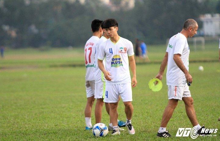 Cong Phuong, Van Toan hop suc U17 HAGL dau dan em o Mito Hollyhock hinh anh 1