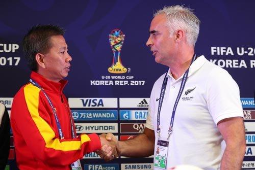 HLV New Zealand ru U20 Viet Nam 'dam boc' hinh anh 1