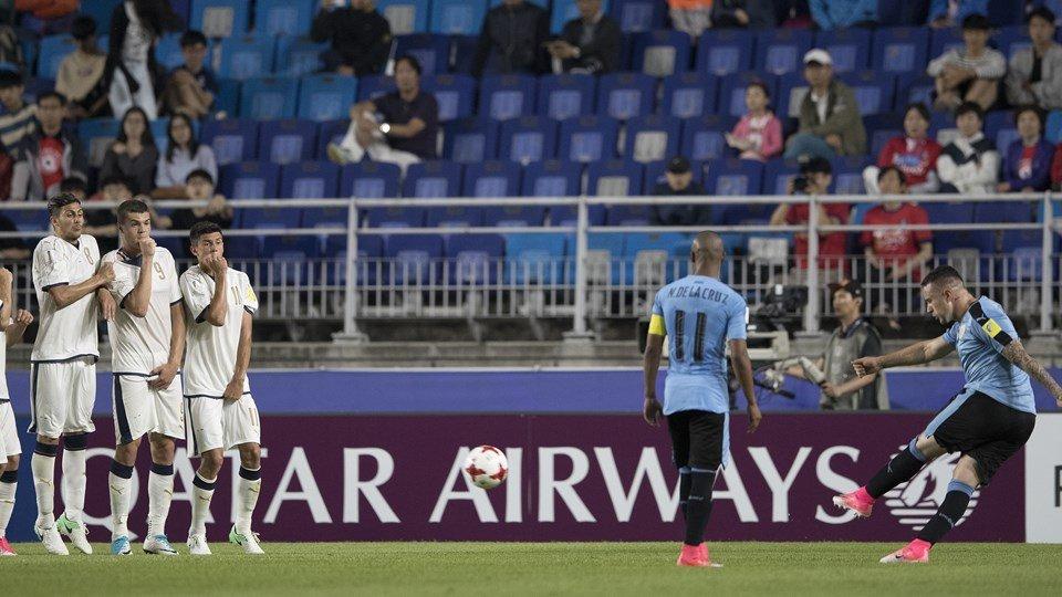 'Nguoi bi mat' ghi ban, U20 Uruguay danh bai U20 Italia hinh anh 3