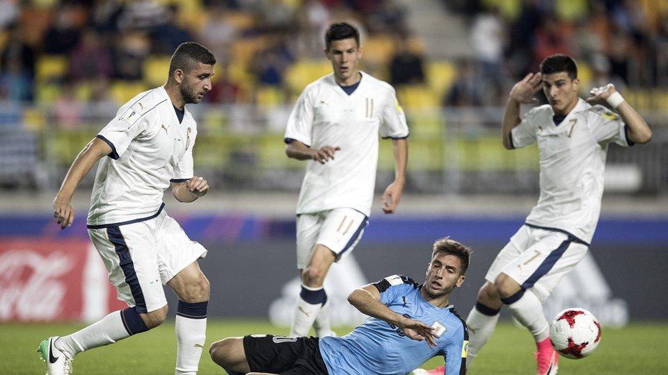 World Cup U20: Cong nghe mo bang VAR khien U20 Italia 'chet hut' hinh anh 1