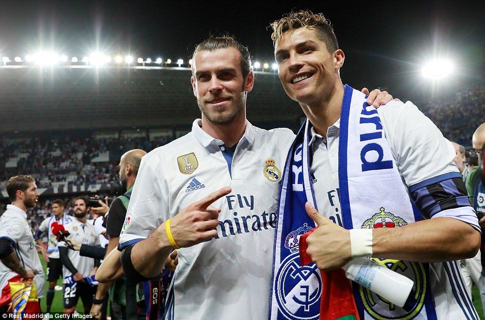 Real Madrid an mung chuc vo dich La Liga giua bien nguoi hinh anh 6