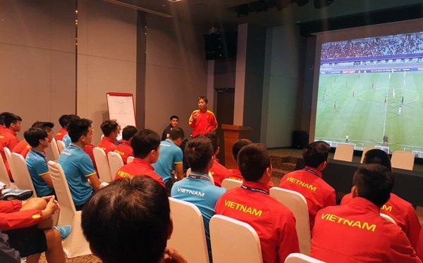 U20 Viet Nam hop kin len phuong an chong U20 Phap hinh anh 1