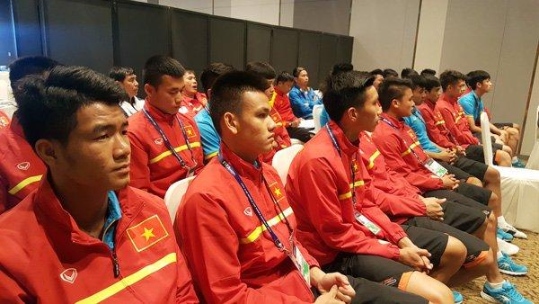 U20 Viet Nam hop kin len phuong an chong U20 Phap hinh anh 3