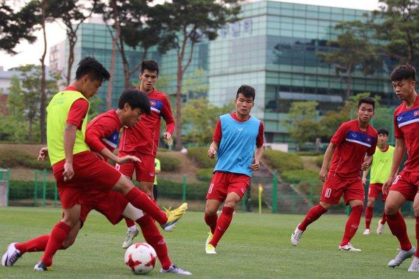 U20 Viet Nam da voi U20 Phap bang tinh than chien thang hinh anh 2