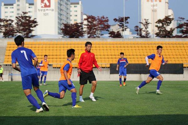 Nhan dinh U20 Viet Nam vs U20 Phap: Khong duoc phep guc nga hinh anh 1