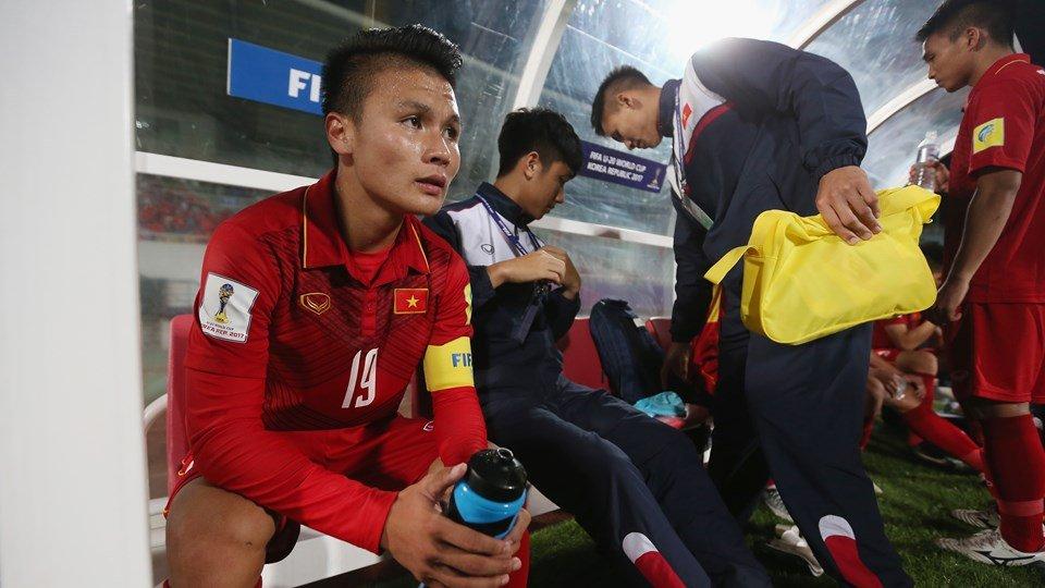 BLV Quang Huy: Tuan Anh nhu Nedved, Quang Hai nhu Riquelme hinh anh 1