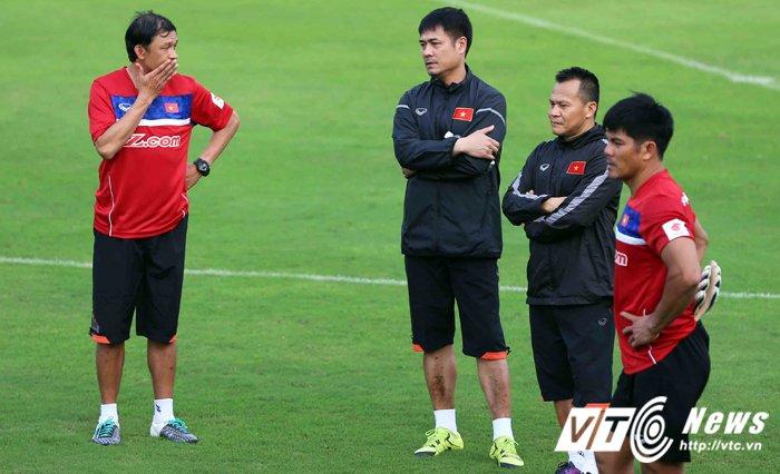 HLV Huu Thang: Khong de de cau thu U20 Viet Nam da chinh hinh anh 2