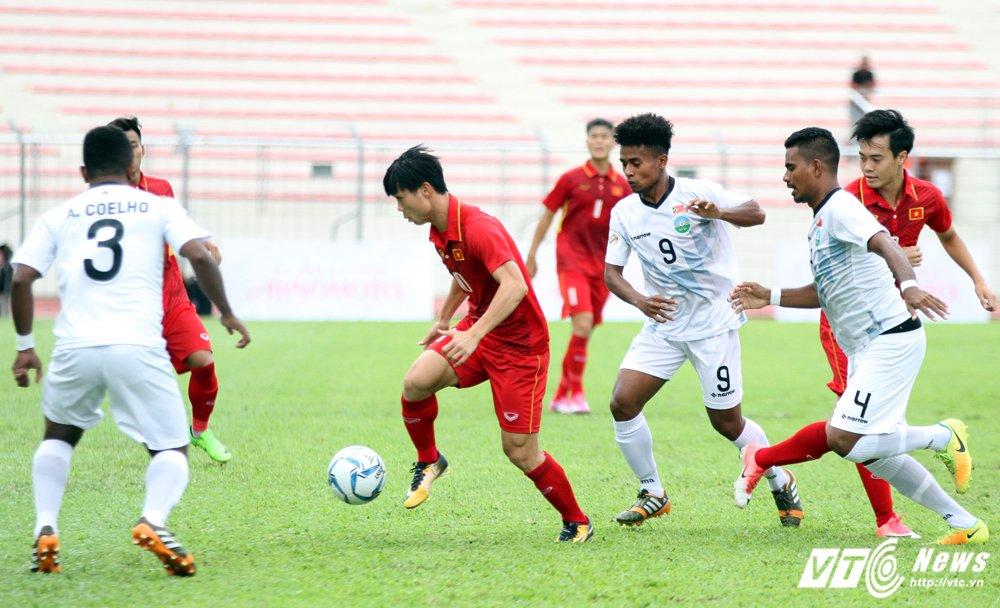 V-League tro lai: Lo Cong Phuong, Quang Hai qua tai hinh anh 1