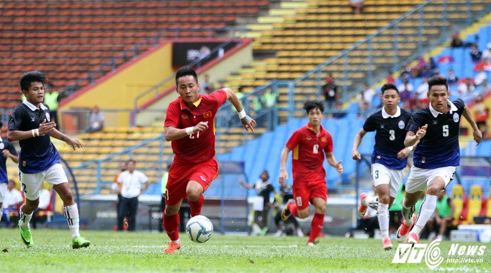 Ho Tuan Tai an mung nhu anh ho Van Quyen khi ghi ban o SEA Games hinh anh 4
