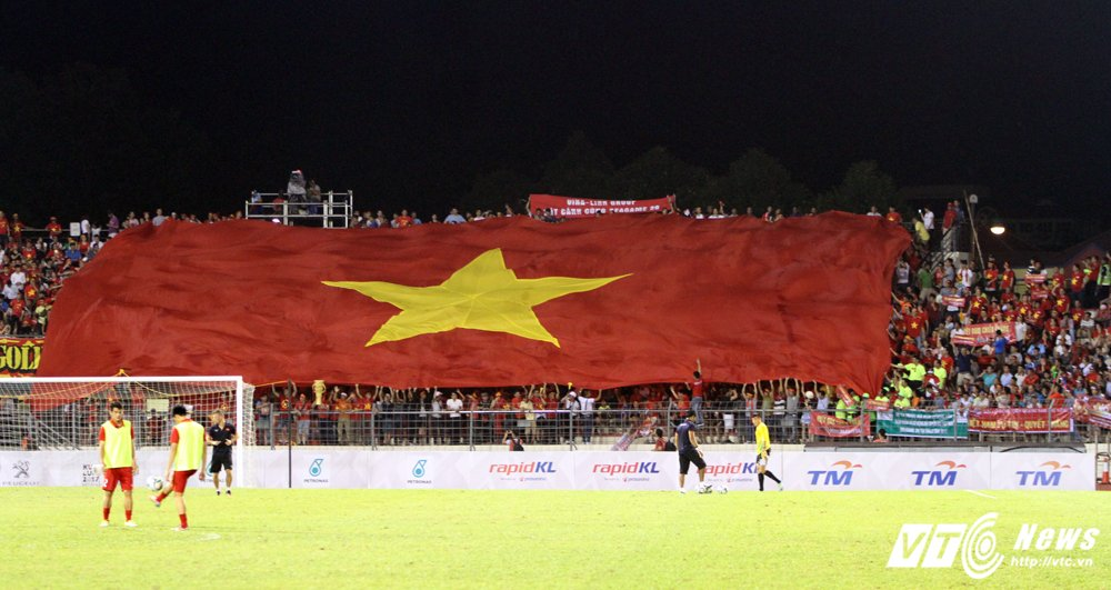 Ngan nguoi gao thet co dong, U22 Viet Nam van khong thang noi U22 Indonesia hinh anh 6