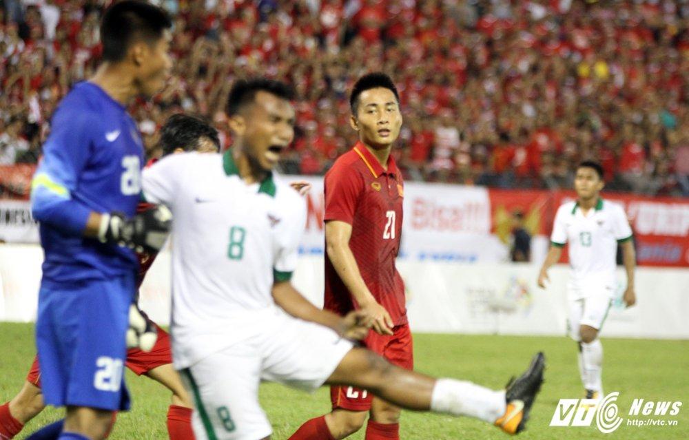 Video: HLV Huu Thang khen thu mon U22 Indonesia cuu thua khong tuong hinh anh 3