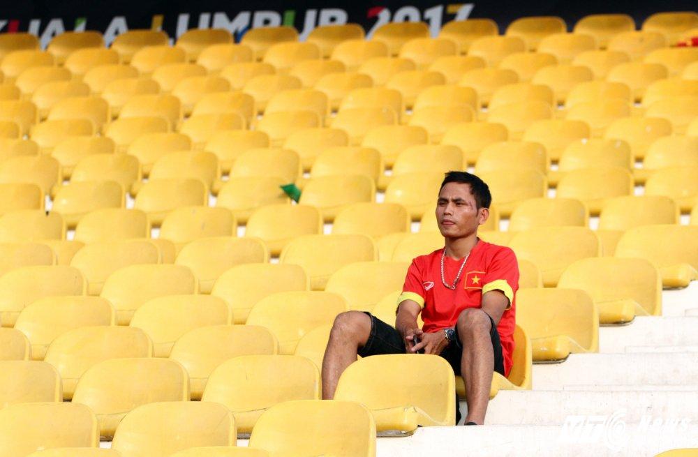 An tuong SEA Games 29: Anh Vien cuoi rang ro, e che U22 Viet Nam hinh anh 14