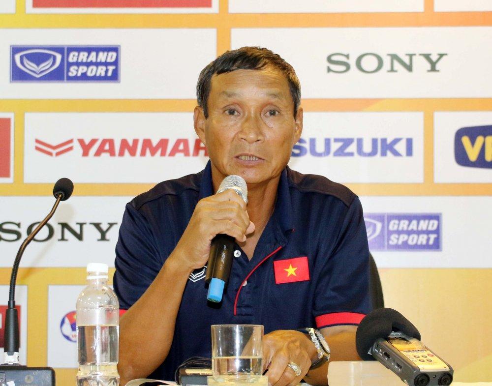 HLV Mai Duc Chung: Cac cau thu phai quen di that bai SEA Games hinh anh 1