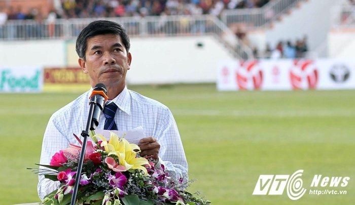 'Tuong' nha bau Duc: 'Lon tuoi roi, ra lam Tong thu ky VFF lam chi' hinh anh 1