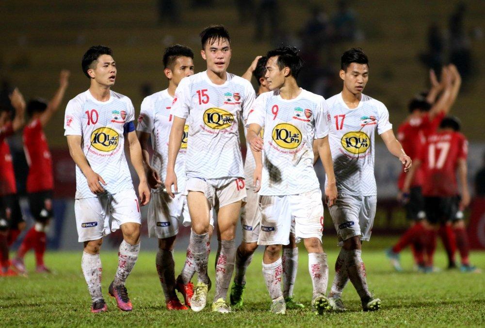 HAGL lan dau lot Top 10 V-League thoi Cong Phuong hinh anh 2