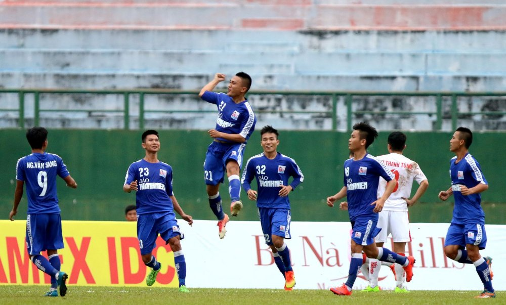 Thang de U21 Hue, quan bau Duc vao ban ket U21 Quoc gia hinh anh 2
