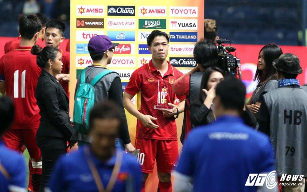 Lap cong lon, Cong Phuong xuat sac nhat tran U23 Viet Nam vs U23 Thai Lan hinh anh 1