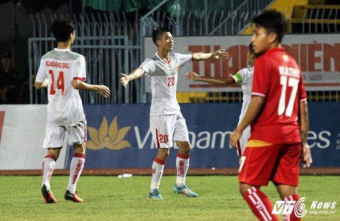 HLV U21 va U19 Viet Nam cung tien cu 1 tai nang cho HLV Park Hang Seo hinh anh 1