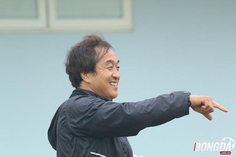 Cong Phuong sung suong khi danh bai HLV Park Hang Seo tren san tap hinh anh 7