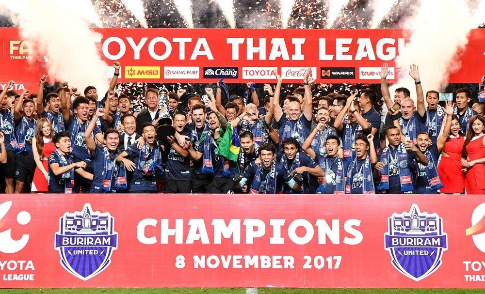 Bong da Viet Nam lai thua Thai Lan: Toyota bo V-League, rot tai tro gap 5 lan cho Thai League hinh anh 3