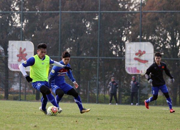 Anh: Buoi tap 'sung suong' nhat cua U23 Viet Nam ke tu khi sang Trung Quoc hinh anh 5