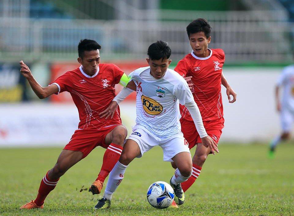 BLV Quang Huy: V-League khien nhieu tai nang 'thui chot', bong da Viet Nam moi o muc ban chuyen hinh anh 3