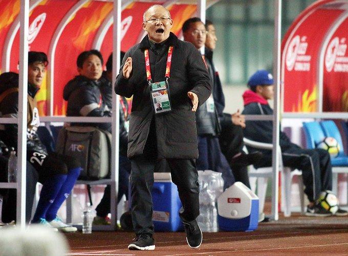Bau Duc: 'Loi da cua Park Hang Seo khac Toshiya Miura' hinh anh 2