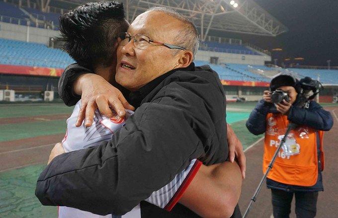 Bi mat phong thay do U23 Viet Nam: HLV Park Hang Seo 'say toc' hoc tro hinh anh 2