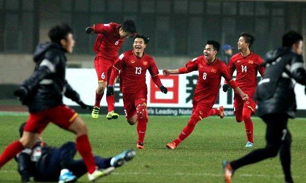 CEO Bkav Nguyen Tu Quang viet thu ngo, tang Bphone cho U23 Viet Nam hinh anh 1