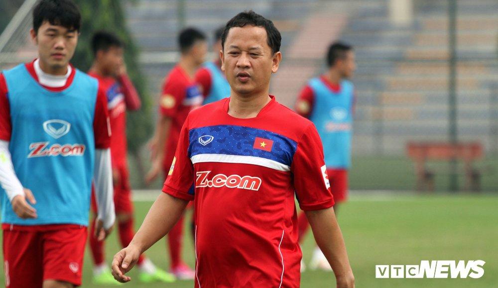 Tro ly Le Huy Khoa: U23 Viet Nam thua phut chot, HLV Park Hang Seo buon rat nhieu hinh anh 3