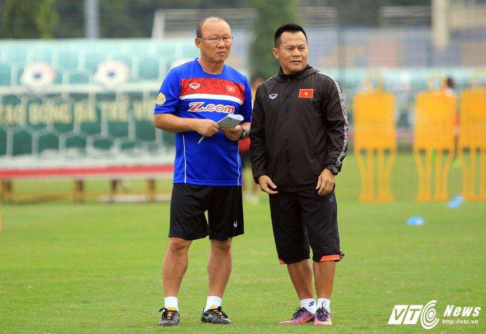 Tam biet Park Hang Seo, 'pho tuong' cua Cong Vinh tro ve lam canh tay phai HLV Miura hinh anh 1