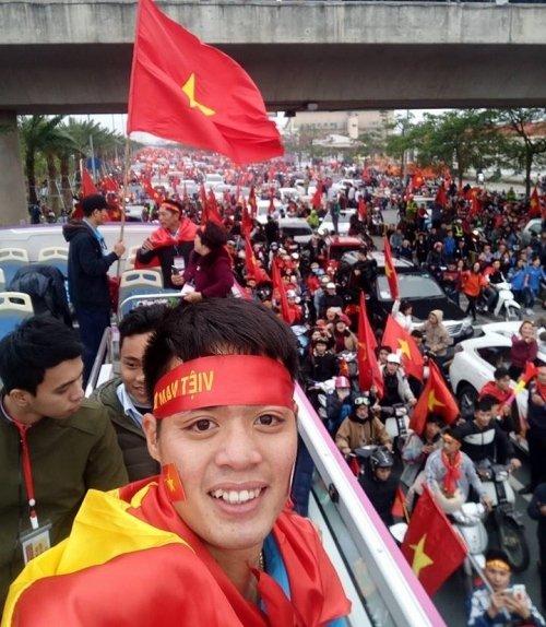 Thu mon U23 Viet Nam: Cho tien thuong sua can nha dot va chua benh ung thu cho me hinh anh 4