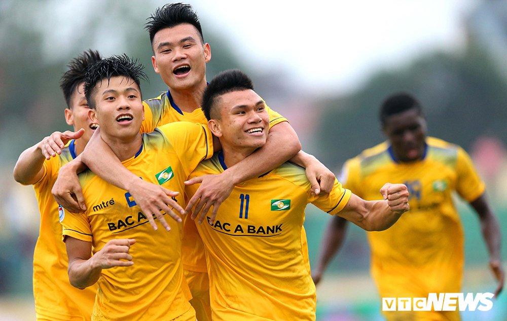 Video truc tiep FLC Thanh Hoa vs SLNA vong 4 V-League 2018 hinh anh 3