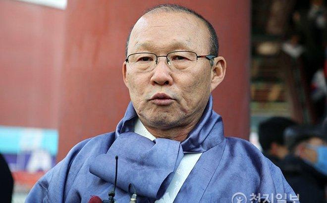 Chen lan chup anh voi HLV Park Hang Seo trong ngay dac biet o Han Quoc hinh anh 2