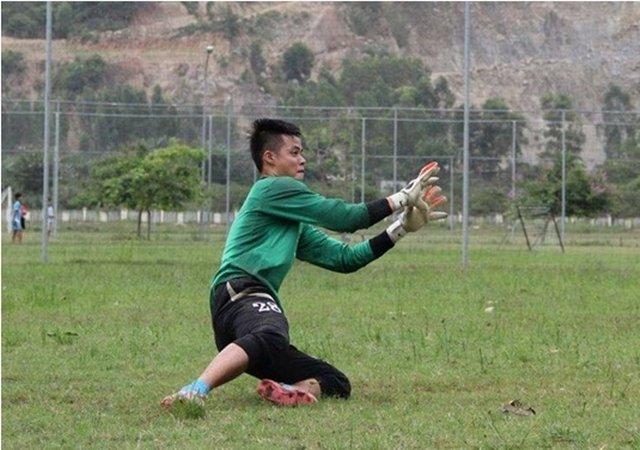 Bau Hien ho tro thu thanh U23 Viet Nam chua benh ung thu cho me hinh anh 2
