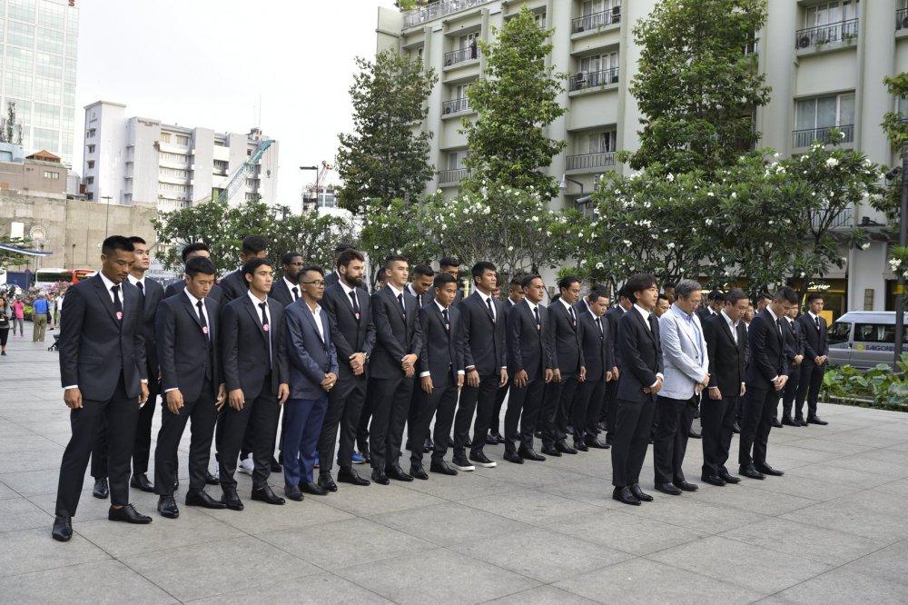 Quyen Chu tich Le Cong Vinh quyet dua TP.HCM lot top 3 V-League hinh anh 2