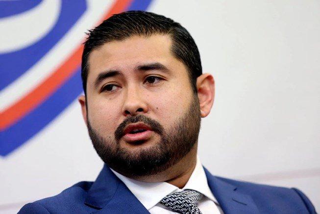 Bong da Malaysia roi xuong day, Hoang tu Ismail tu chuc hinh anh 2