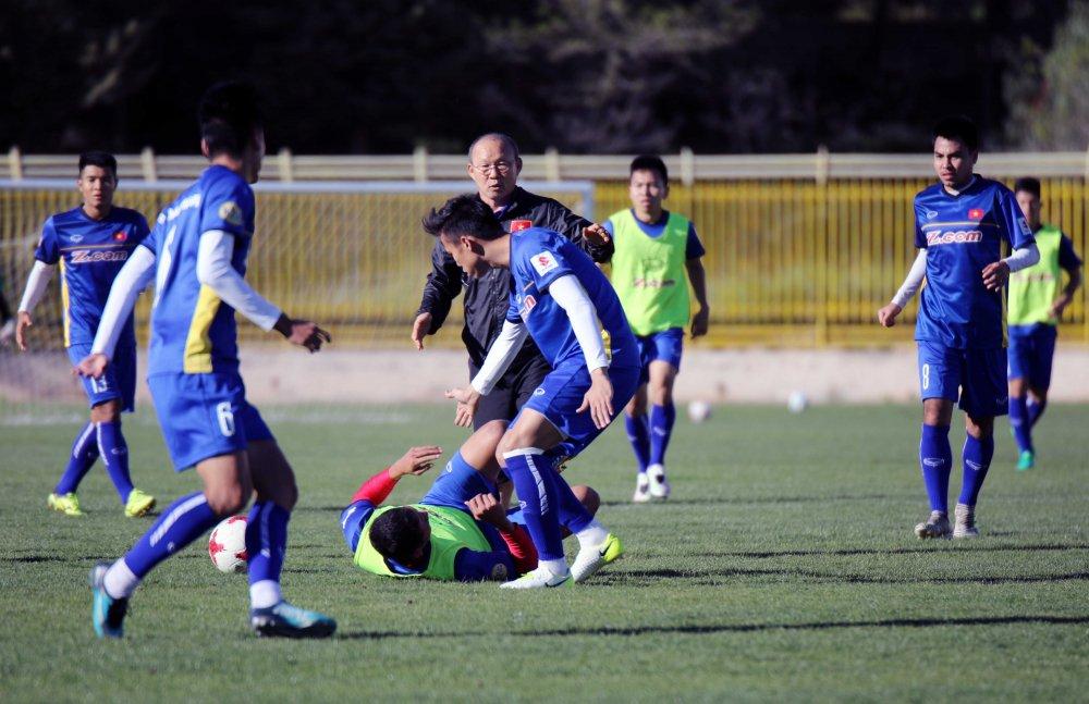 Jordan vs Viet Nam: 4 van de cho HLV Park Hang Seo giai quyet hinh anh 4