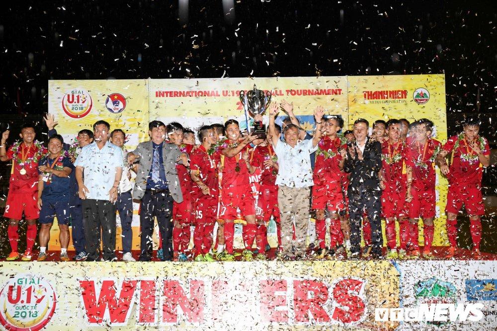 HLV U19 Viet Nam: 'Neu co tran chung ket, khong biet chuyen gi xay ra' hinh anh 1