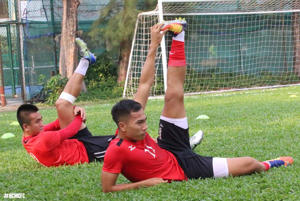 HLV Miura mat 'Ronaldo xu Nghe' 2 tuan hinh anh 6