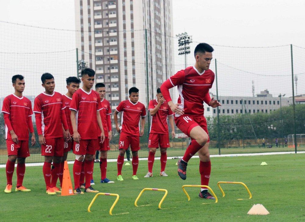 HLV Hoang Anh Tuan: U19 Viet Nam hien tai khong co nhan to nhu Quang Hai hinh anh 3