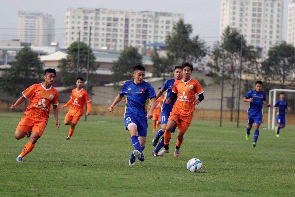HLV Hoang Anh Tuan: U19 Viet Nam hien tai khong co nhan to nhu Quang Hai hinh anh 1