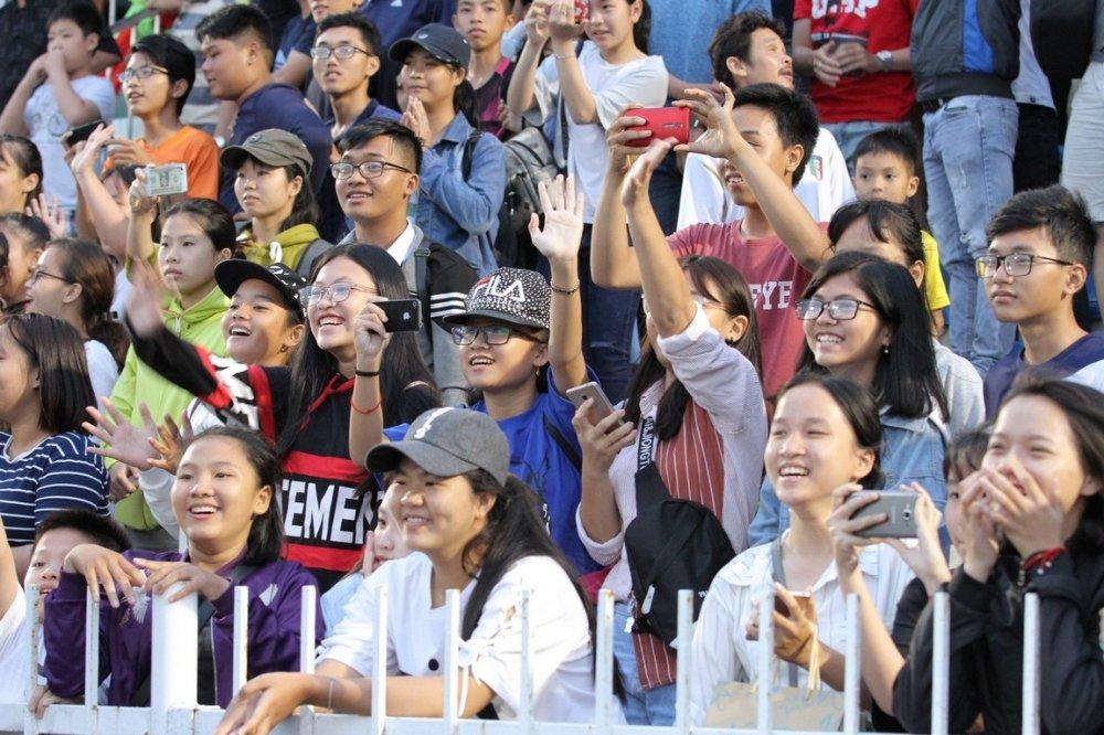 Hang ngan fan dat vo xem Viettel dau Binh Dinh o Cup Quoc gia hinh anh 11