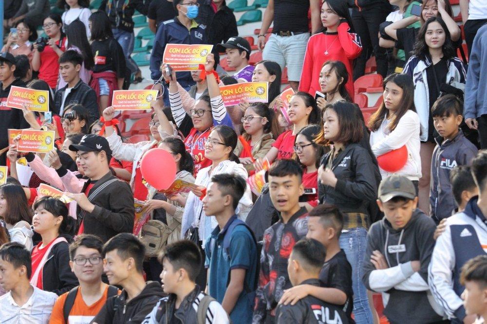 Hang ngan fan dat vo xem Viettel dau Binh Dinh o Cup Quoc gia hinh anh 12