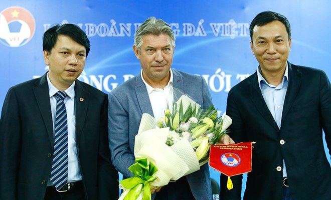 Tranh cu Chu tich VFF: Bo VH-TT&DL chua quyet truong hop ong Tran Quoc Tuan hinh anh 2