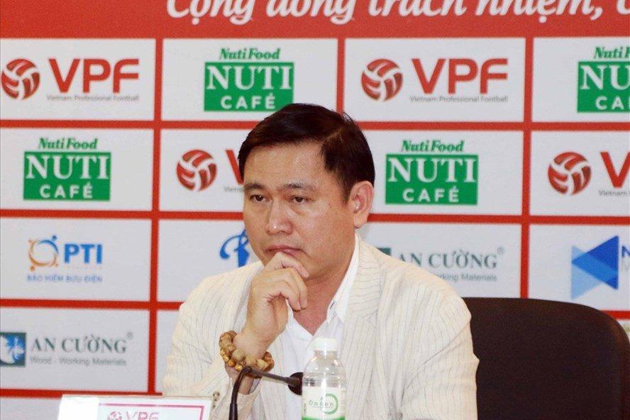 Chu tich VPF Tran Anh Tu: 'Toi dau co sai ma xin loi anh Hien' hinh anh 3