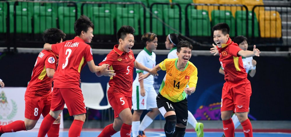 Ha Indonesia, tuyen Futsal nu Viet Nam vao ban ket chau A hinh anh 2
