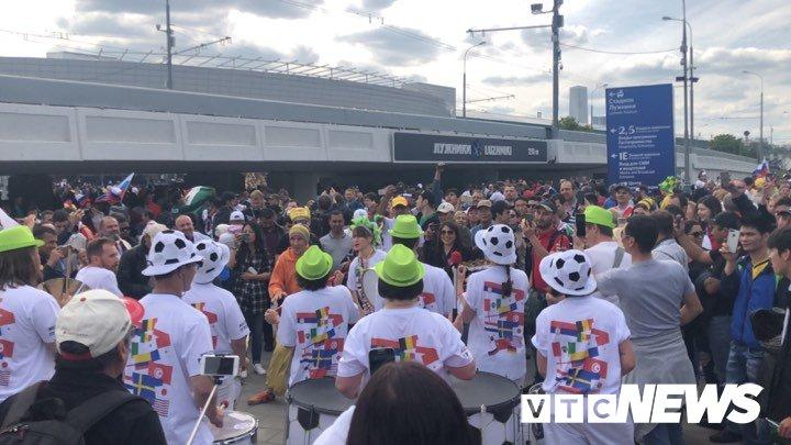Video: An ninh Nga siet chat truoc gio khai mac World Cup hinh anh 8