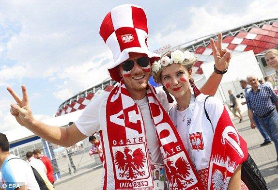 Video ket qua Ba Lan vs Senegal: Cu soc doi voi doi tuyen Ba Lan hinh anh 18